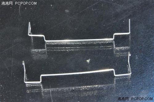 玄冰的风扇固定为铁丝固定。